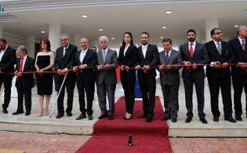 Girne Üniversitesi Hastanesi ve Tıp Fakültesi'nin Temelleri Düzenlenen Törenle Atıldı (7)