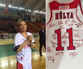 Yakın Doğu Üniversitesi Oyuncularından Hülya Özkan, Basketbola Veda Etti