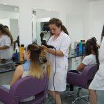 YDÜ Saç Bakımı ve Güzellik Hizmetleri Bölümü Son Model Teknolojik Cihazlar ile Uygulama Derslerini YürütüyorYDÜ Saç Bakımı ve Güzellik Hizmetleri Bölümü Son Model Teknolojik Cihazlar ile Uygulama Derslerini Yürütüyor