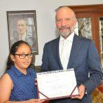 Yakın Doğu Koleji Giriş Sınavında Suat GÜNSEL Bursu Kazanan Öğrenciler Kurucu Rektör Dr. GÜNSEL'i Ziyaret Etti