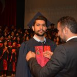 YDÜ Diş Hekimliği Mezunları Hekimlik Yemini Ederek Diplomalarını Aldı