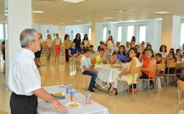 YDK Müdürü Işılay ARKAN, Suat GÜNSEL Bursu Alan 28 öğrenci ve Aileleri ile Bir Araya Geldi