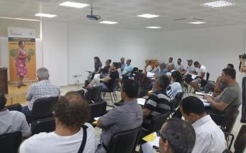 """Yakın Doğu Üniversitesi Veterinerlik Fakültesi """"Balı Koru Sev"""" Projesine Katıldı"""