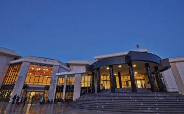 Kıbrıs Halkına ve Öğrencisine Açık Ücretsiz Kullanım Sağlayan YDÜ'nün En Büyük İftiharı Olan Büyük Kütüphanesi'ndeki Kitap Sayısı 1.5 Milyona Ulaştı