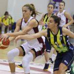 Çekişmeli Geçen Maç Fenerbahçe'nin… Yakın Doğu Üniversitesi: 58 - Fenerbahçe: 62