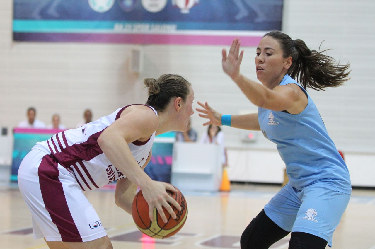 Near East University ended as the happier side after a highly competitive tussle….Near East University: 72-Hatay B.Ş.B: 68