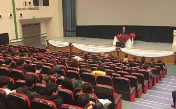 """YDÜ Adalet Meslek Yüksekokulu Kulübünün """"Hakimler ve Zabıt Katiplerin Sorumlulukları ve Meslekte Karşılaştıkları Sorunlar"""" Başlıklı Konferansı Gerçekleştirildi"""