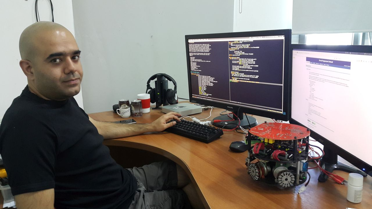 The Great Success of Nurullah Akkaya, member of Near East University Robotics Laboratory; Developed Fast-Running Programming Language