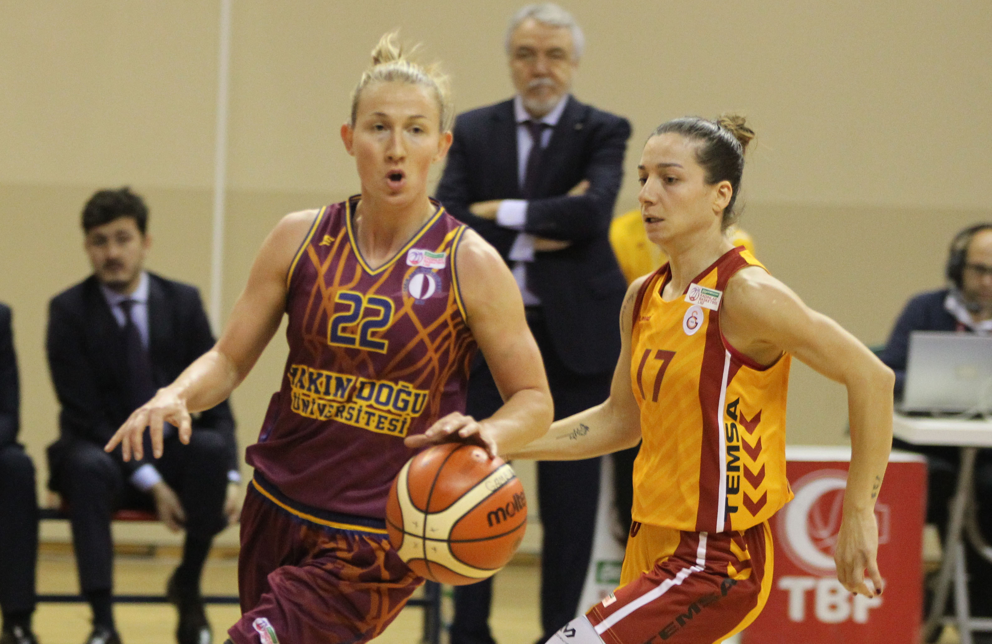Near East University continues to defeat Galatasaray … Galatasaray: 71- Near East University: 77