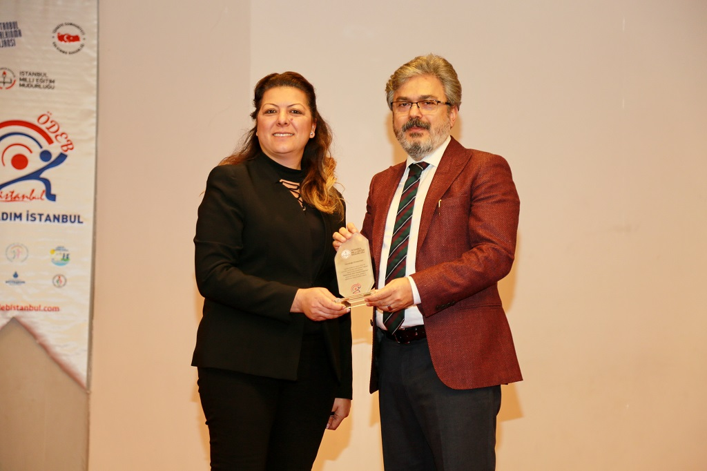 Istanbul Directorate of National Education awards Near East University Department of Special Needs Education a Thank You Plaque…