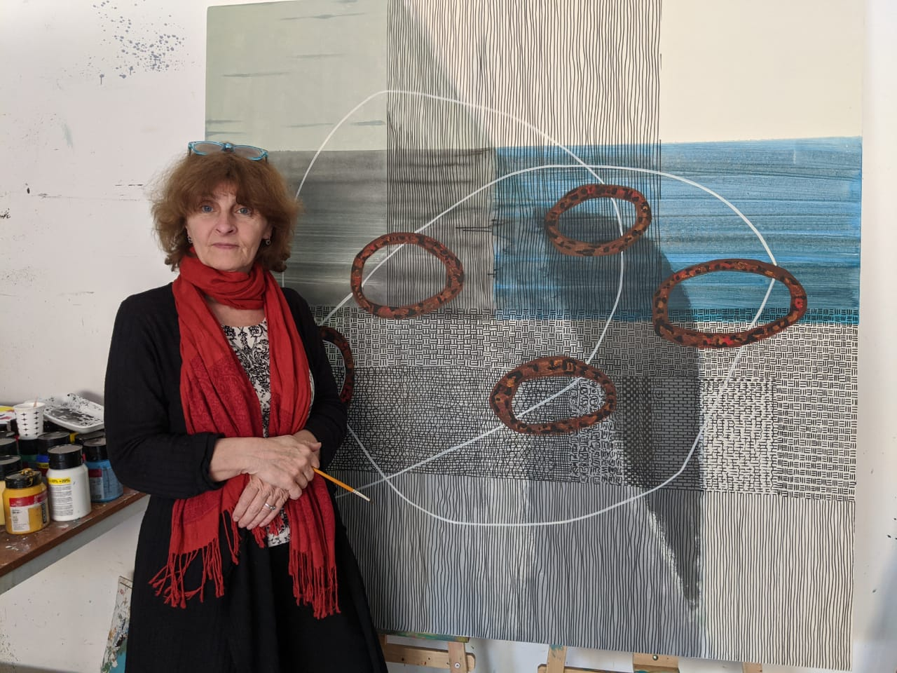 Artist Irina Lavrinenko reflected Cyprus-specific figures and motifs for the Cyprus Museum of Modern Arts through canvas paintings that she painted during the COVID-19 quarantine days