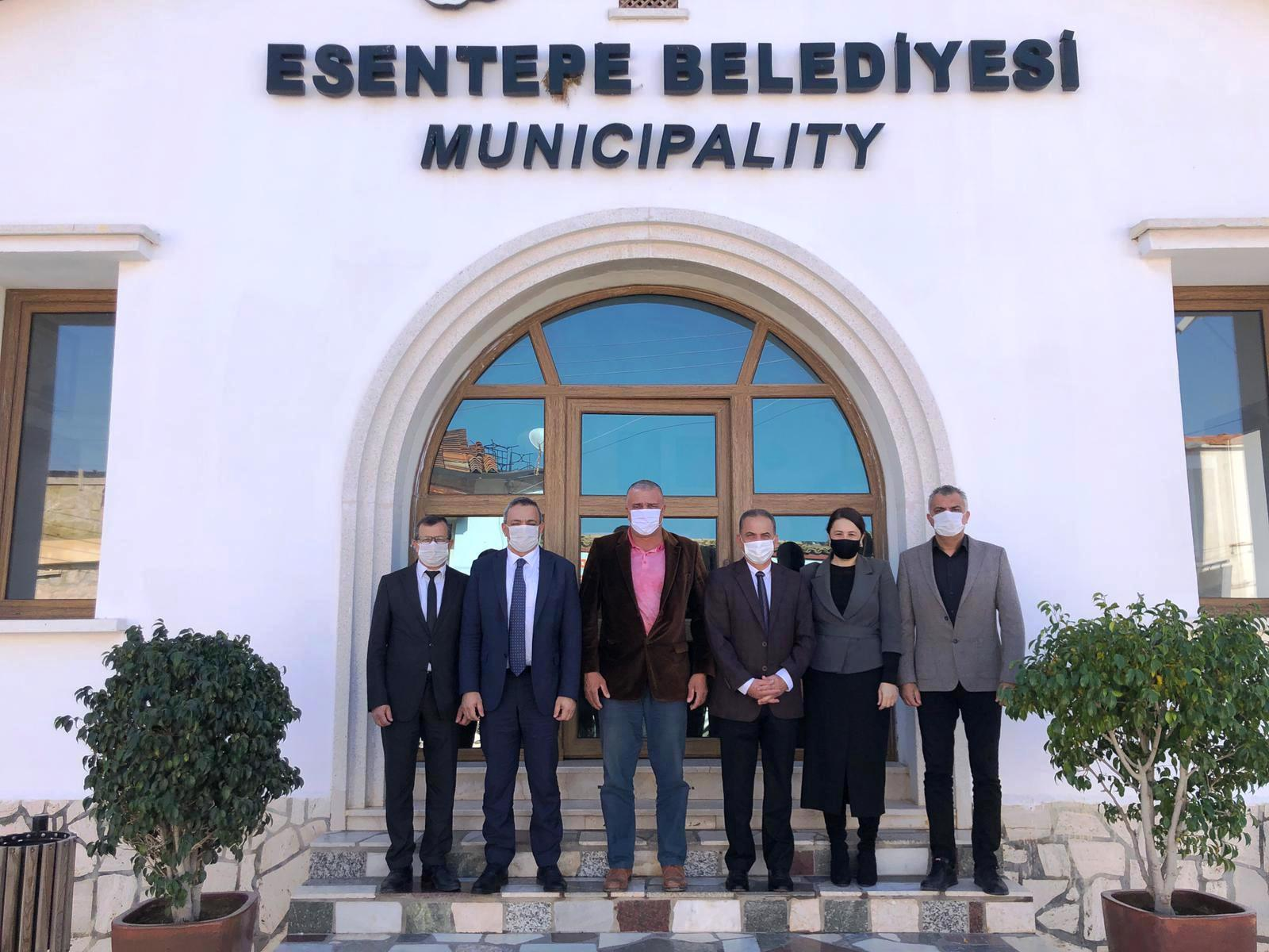 Members of the Board of Directors of Near East College visited the Mayor of Esentepe Cemal Erdoğan and exchange views on Dr. Suat Günsel Kyrenia College that will start teaching in February 2021